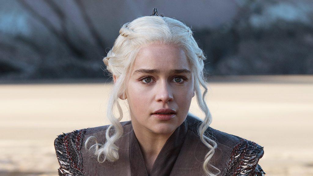 Game of Thrones: Emilia Clarke fala sobre nu frontal